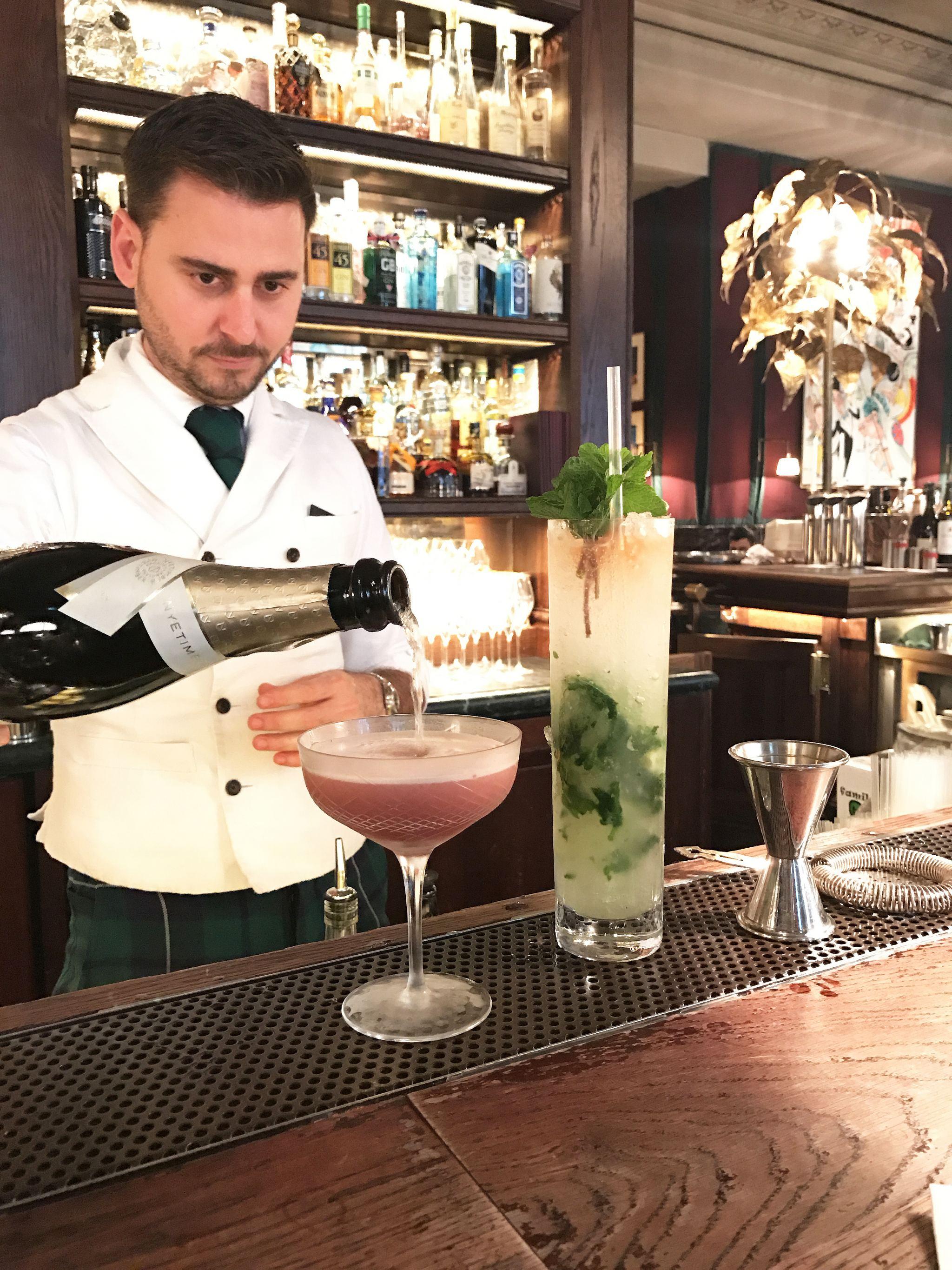 Scarfes Bar - Rosewood London