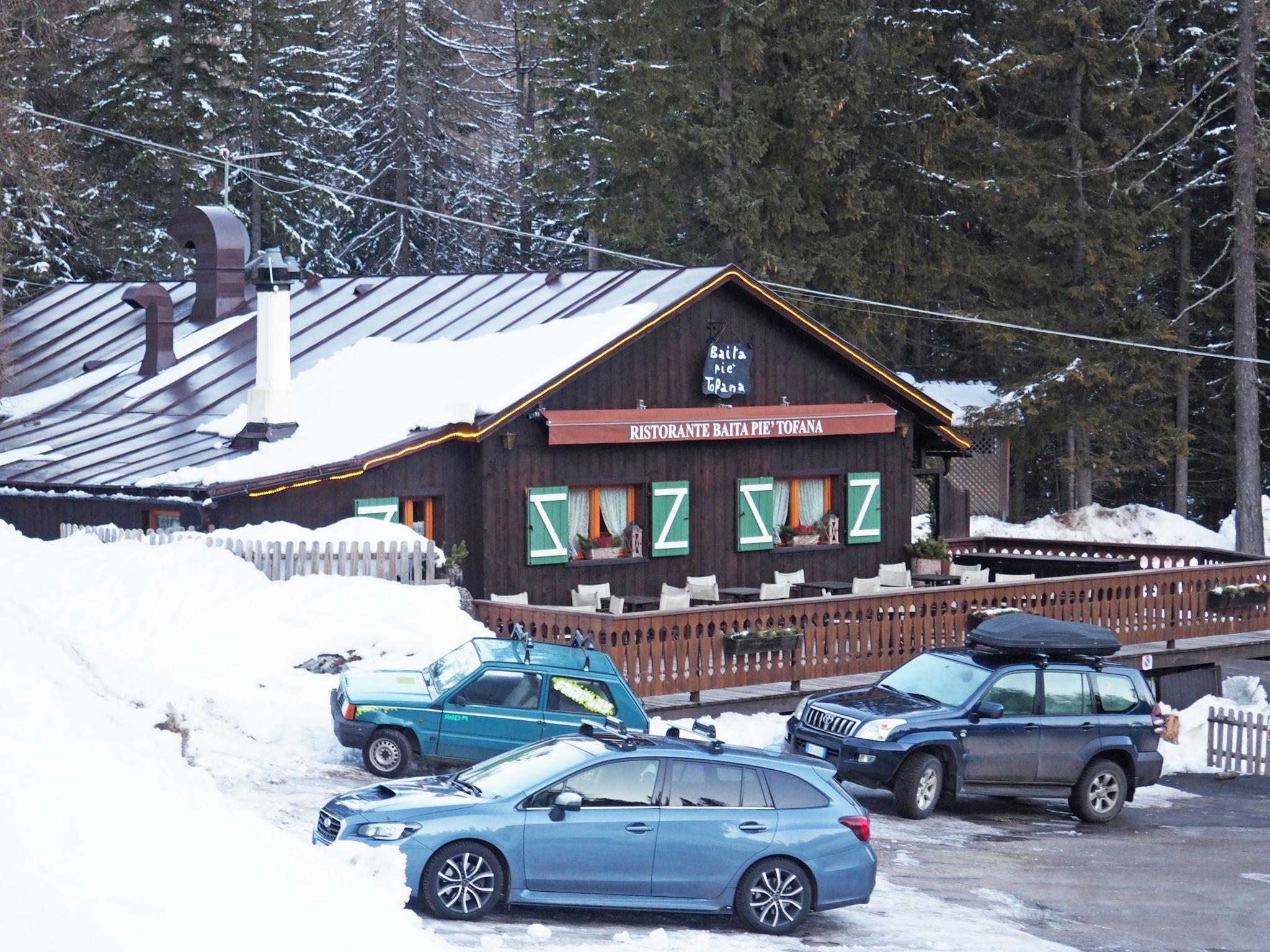 Baita Piè Tofana, Cortina