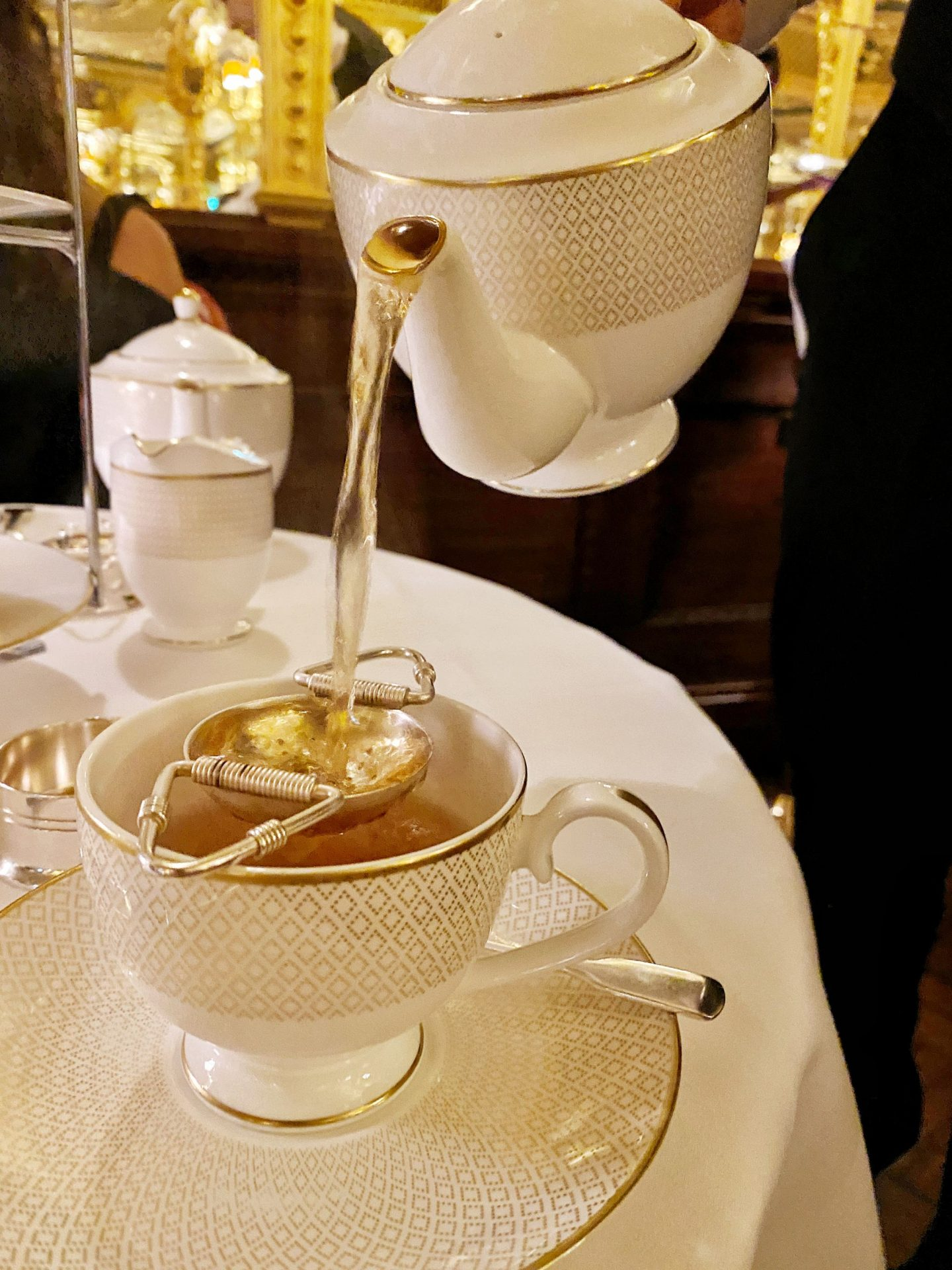 Winter Cinnamon Noir Tea - Oscar Wilde Lounge