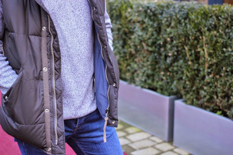 Light spring knitwear