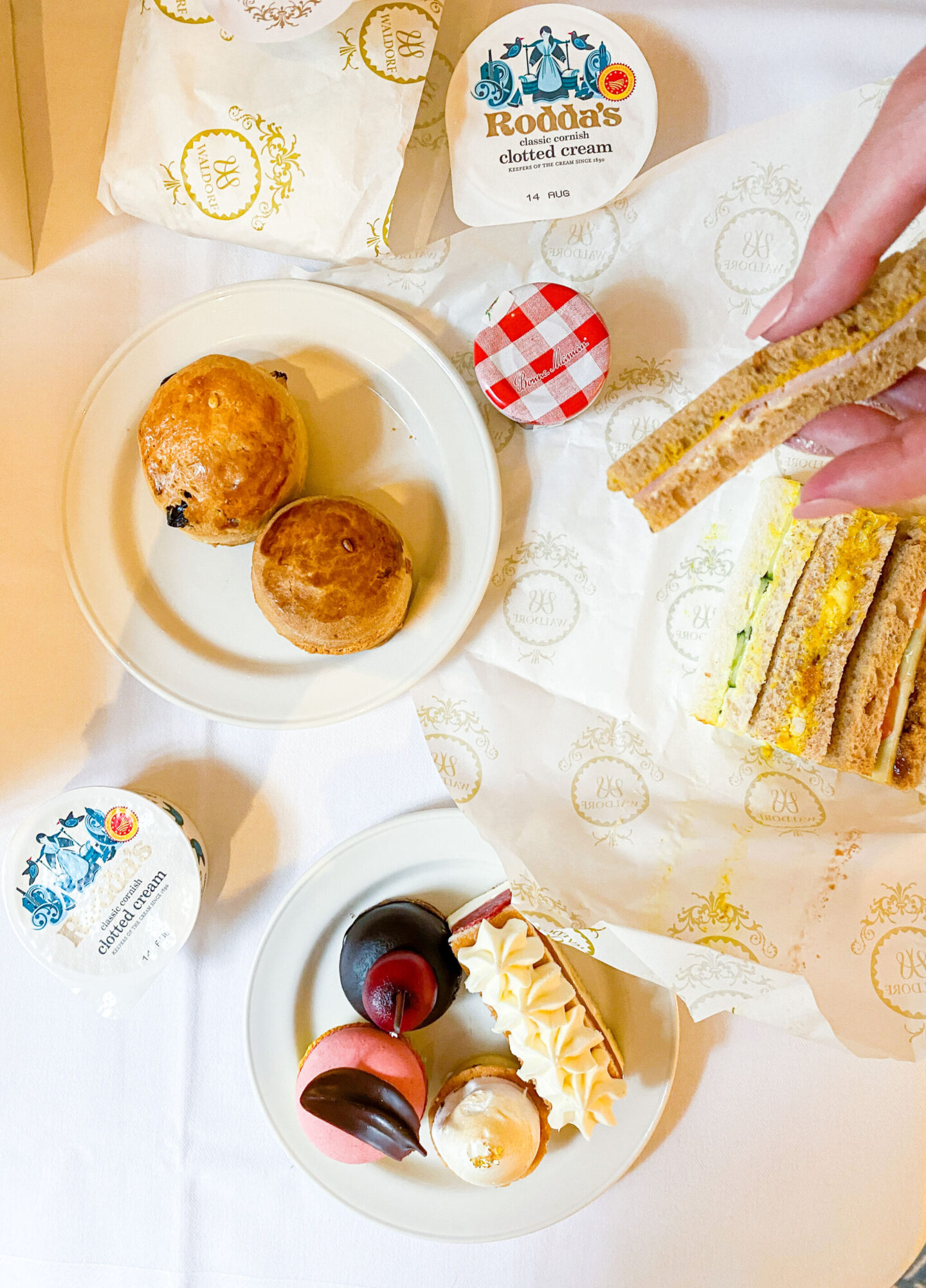 Afternoon tea at Waldorf Hilton