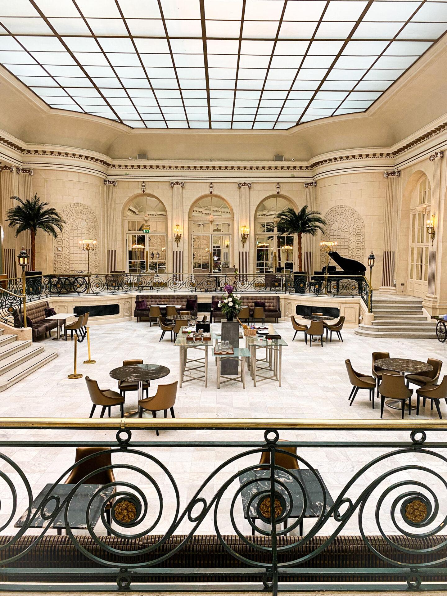 Waldorf Hilton Palm Court